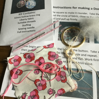 Kit to Make a Dorset Singleton Button in Liberty Print 'Ros'