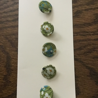 Set of 5, 18 mm, Traditional Dorset Singleton Buttons, S1