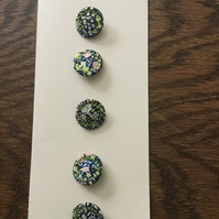 Set of 5, 18 mm, Traditional Dorset Singleton Buttons, S3