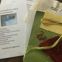 Beginners Smocking Kit to Create a Postcard Sampler, Green and Red, P1