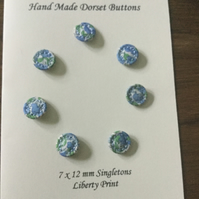 Set of 7, 12 mm, Traditional Dorset Singleton Buttons, S10