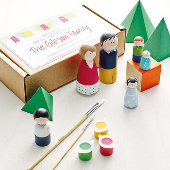 Paint Your Own Peg Doll Family - FAMILY OF 6