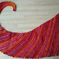Pink orange red colour changing triangular scarf