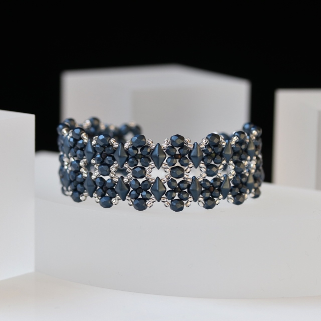 Montana Blue and Silver Beaded Bracelet