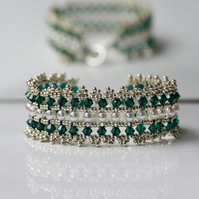 Elizabethan Bracelet in Green, Pearl and Silver