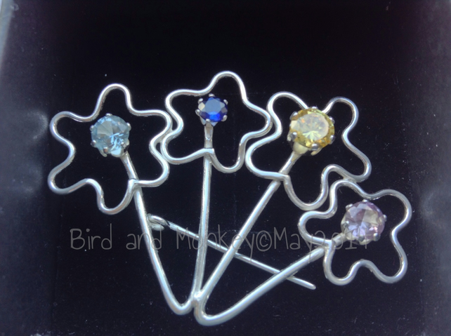 Flower brooch in sterling silver from your children's drawings with 4 gem stones