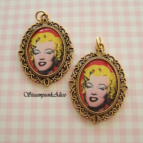 2 x Marilyn Monroe Pendant Charms-Altered Art Popart Style