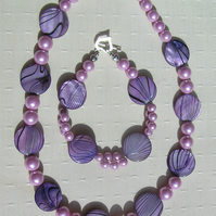 "Necklace & Bracelet Set - Mother of Pearl and Shell Pearl - ""Lavender Fantasia"""