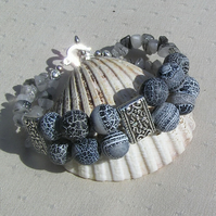 "Frosted Black Agate & Tourmalinated Quartz Gemstone Bracelet ""Klavier"""