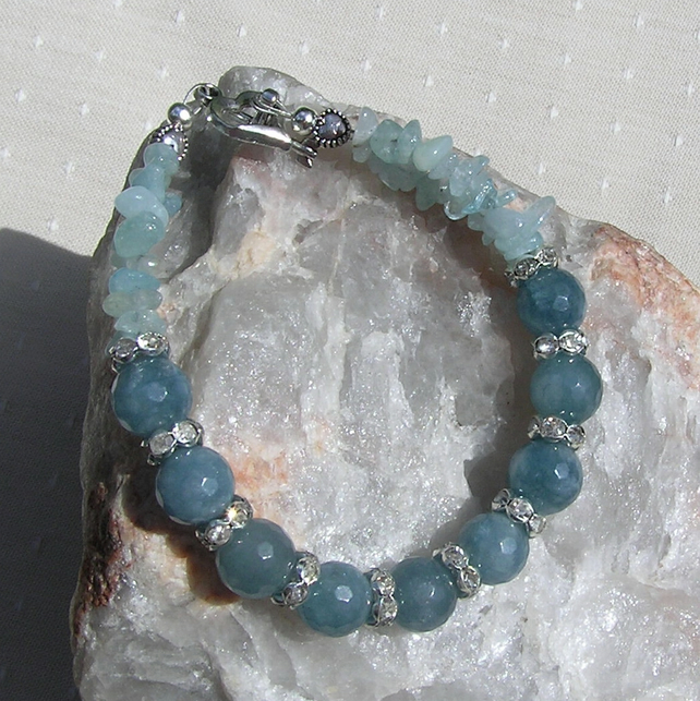 "Aquamarine Crystal Gemstone Bracelet ""Blue Breeze"""