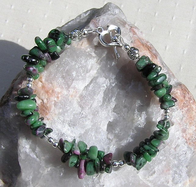 "Zoisite with Ruby Inclusions (Anyolite) Crystal Gemstone Bracelet ""Glade"""