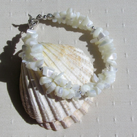 "White Mother of Pearl Crystal Gemstone Bracelet ""Clotted Cream"""