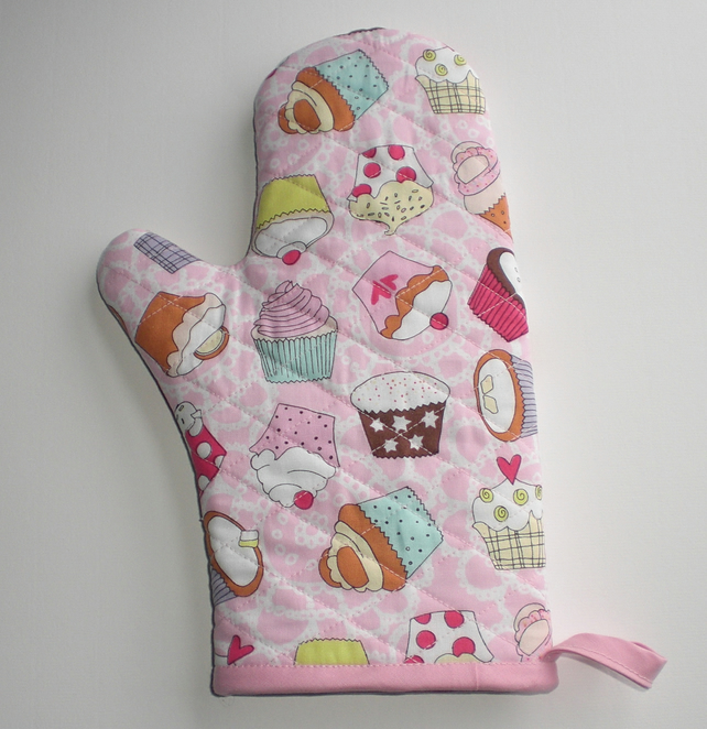 CLEARANCE: Oven Glove, oven mitt. Quilted