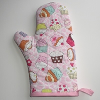 SALE Oven Glove, oven mitt. Quilted