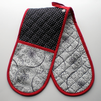 Oven Gloves. Quilted