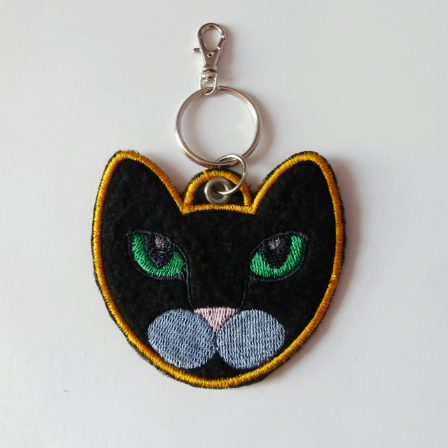 CLEARANCE: Cat keyring. Small