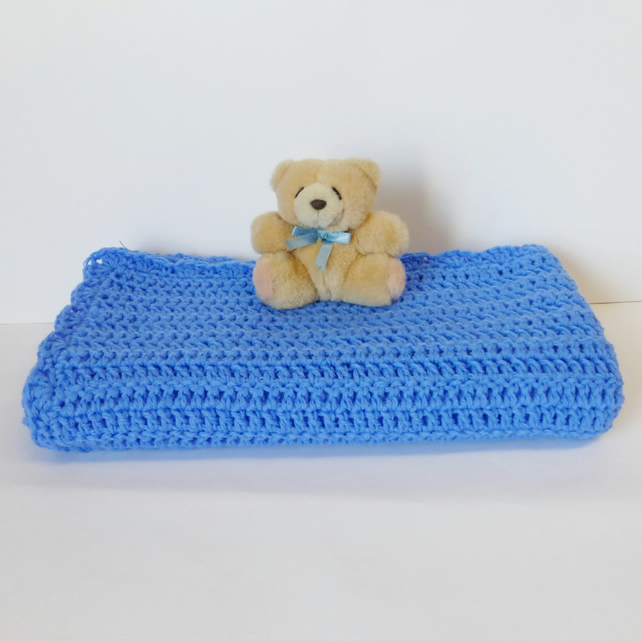Baby blanket, crocheted