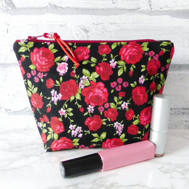 Red roses make up bag, zipped pouch, cosmetic bag, medium size.