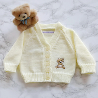 Embroidered baby cardigan with teddy motif. 0-3 months