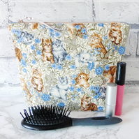 Large zipped pouch, make up bag, cosmetic bag, cats.
