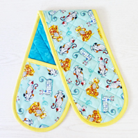 Kitty cat oven Gloves. Quilted