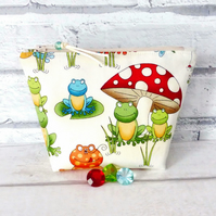 Frog make up bag, zipped pouch, cosmetic bag,  medium size.