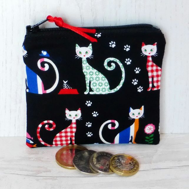 Small purse, coin purse, cats.