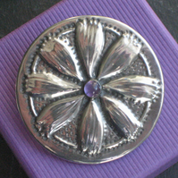 Amethyst Daisy Brooch in Silver Pewter
