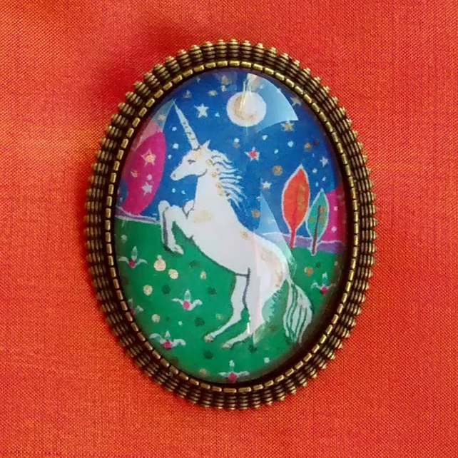 Sale! Unicorn Brooch, Tiny Picture of a Unicorn
