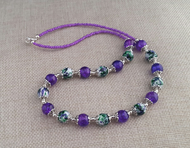 Purple and green mottled glass bead necklace - 1001276