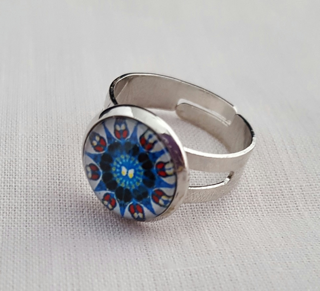 Glass Mandala ring - red, white and blue
