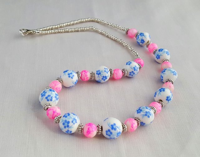 Blue ceramic and pink marbled glass bead necklace - 1001396