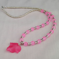 Pink frosted leaf necklace - 100974