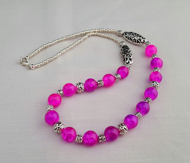 Pink crackle glass bead necklace - 1001425