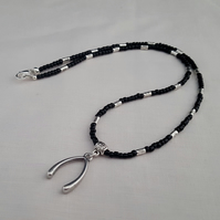 Black and silver wishbone necklace - 1001555
