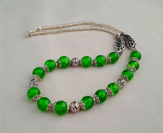 Lime green and silver crackle glass bead necklace - 1001426