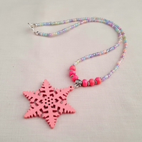 Pink wooden snowflake necklace - 1001598