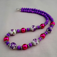 Purple, white and pink ceramic bead necklace - 1001631