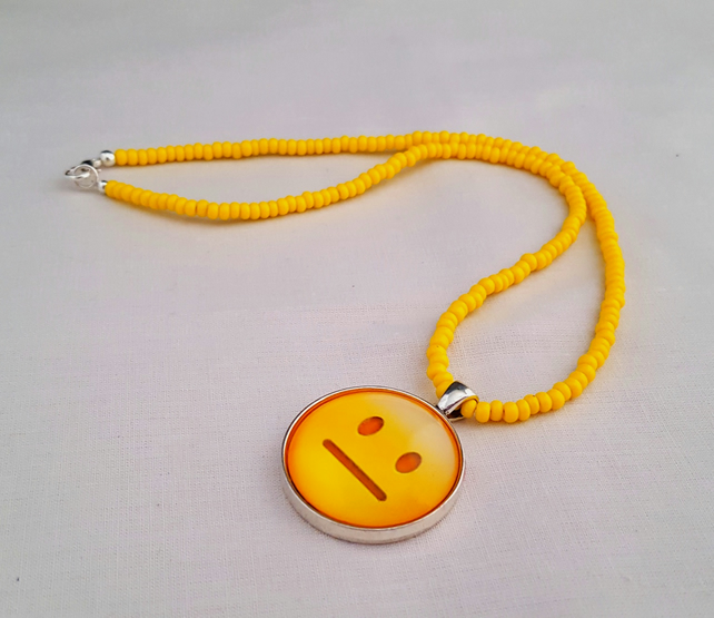 Yellow bead necklace with Emoticon pendant - 1001625