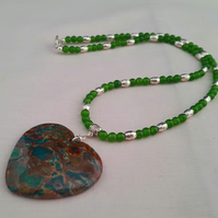 Green jade necklace with brown and green agate heart pendant 1002106
