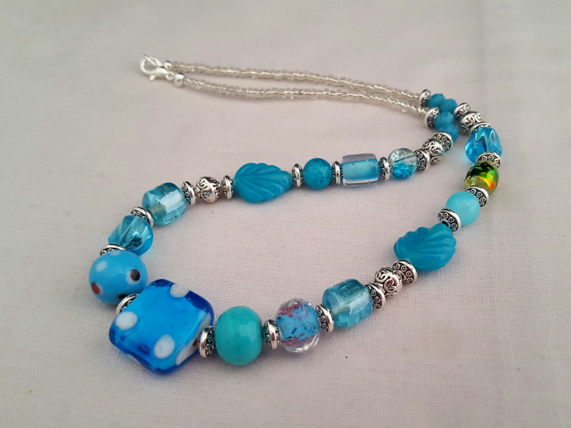 Turquoise and silver glass bead necklace - 1002259
