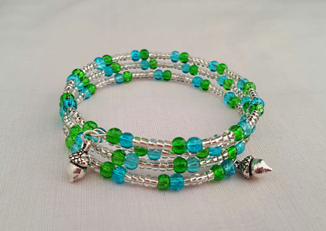 Lime and turquoise beaded bracelet with acorn charms - 1001346