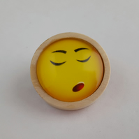 Emoji brooch in wooden setting 003