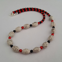 Bird's egg bead necklace - red, white, black - 1002312