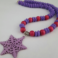 Purple and pink wooden star necklace - 1002436