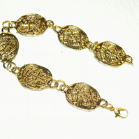 Gold tone bracelet FREE UK Post