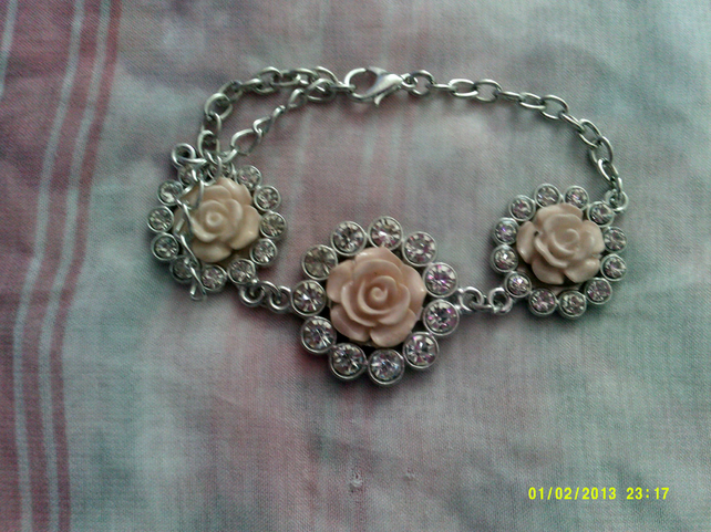 Beautiful Silver plated flowered Bracelet for special someone