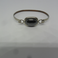 1 lovely bangle for special someone
