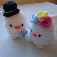 Bride & Groom crochet lovebirds gift retro cake topper keepsake handmade wedding