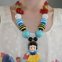 Snowwhite Necklace, Cake Smash Necklace, photo props
